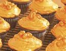 Halloween-cupcakes-061031-th